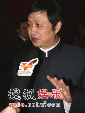 图:湖南广播电视局局长魏文彬接受独家采访