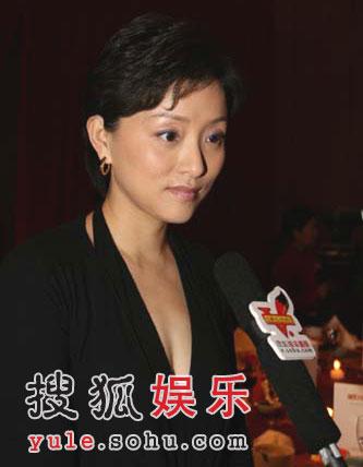 图:著名节目主持人杨澜接受搜狐娱乐独家采访