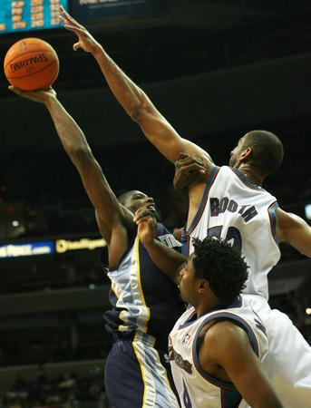NBA常规赛奇才胜灰熊图片 51372 343x450