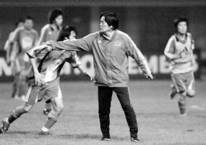 """朱广沪变得要豁出去 2006中国足坛成""""动物园"""""""