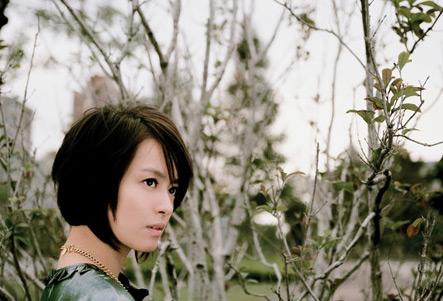 梁咏琪新专辑《给自己的情歌》写真 清新自然