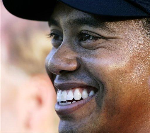 图文:2006高尔夫经典瞬间 PGA伍兹笑傲群雄