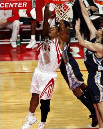 NBA图:常规赛火箭VS灰熊 斯塔德迈尔上篮 海耶斯篮下怒扣