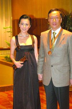 富商郭台铭回应与刘嘉玲绯闻 有意和梁朝伟合作