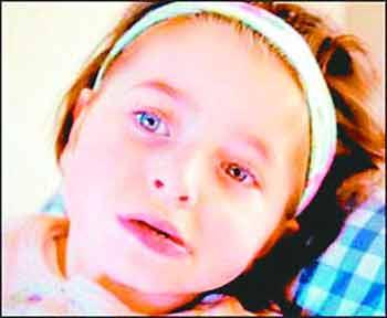 """女孩被""""冻结""""在6岁惹争议 父亲写9000字感言"""