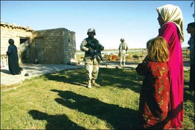 萨埋在老家小村里 家乡武装发誓将采取报复行动