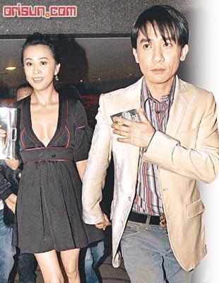 刘嘉玲求医口罩蒙面 为顾形象街边照镜(组图)