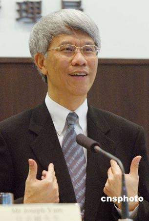 任志刚:香港有条件成人民币国际化试验平台(图)