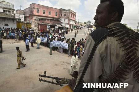 乌干达总统呼吁国际社会援助索马里(图)