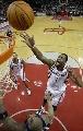 NBA图:常规赛火箭胜爵士 麦迪飞身抛投