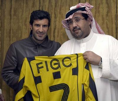 菲戈天价合同签约伊蒂哈德 赛季末正式转战西亚