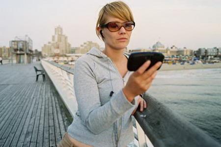 CES2007 三星展示便携式数字电视技术
