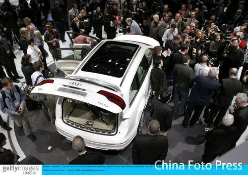 2007北美车展开展 嘉宾观者云集/图