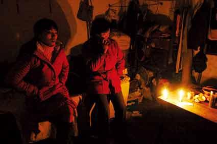 专访遭绑架工人家属:只希望人平安回来过春节