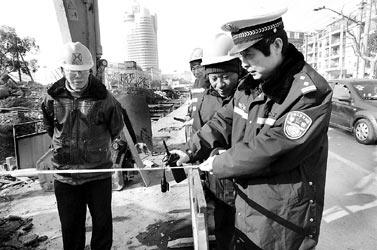 上海交警总队治疗拥堵顽疾 马路倒计时精确到秒