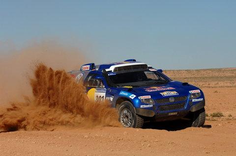 达喀尔第三日走进非洲 刘斌沙漠处子秀再升20位