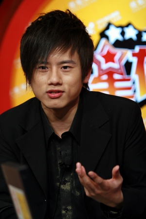 """访谈:张杰挣脱""""选秀""""束缚  单枪匹马勇闯北京城"""