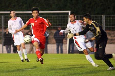 吕征踢人染红离场 国奥欧洲处子秀0-0险平加西