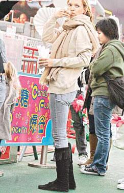 凯特摩丝与女儿香港秘密度假 否认结婚传闻(图)