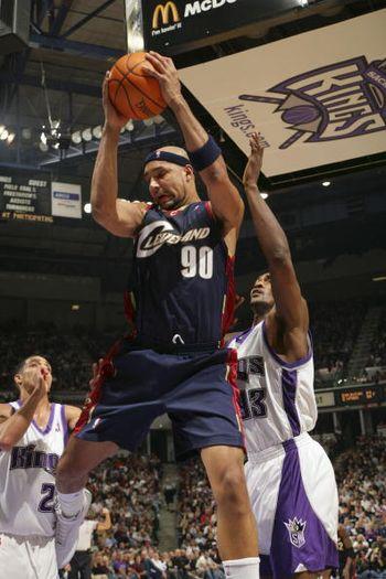 NBA图:骑士胜国王 古登摘篮板