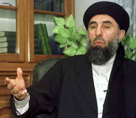 阿富汗前总理自称曾协助拉登逃脱美军追捕(图)