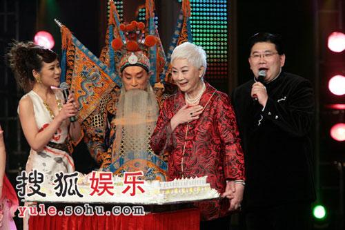 卢燕李玉声演绎《定军山》 经典名段掀起高潮