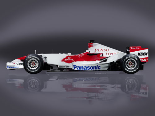 图文:F1丰田打破旧制创新 车身总重600KG