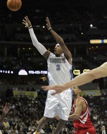 NBA图:常规赛火箭胜掘金 艾弗森跳投出手