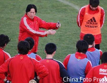 图文:国家队西班牙第二次训练 备战比勒费尔德