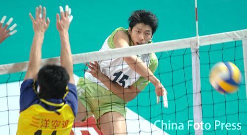 男排联赛第18轮 上海保持全胜 江苏遭逆转失利