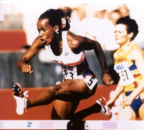 图文:六次奥运会金田径牌选手乔伊娜 来华授课