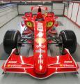 图文:法拉利新款赛车亮相 F2007赛车全景