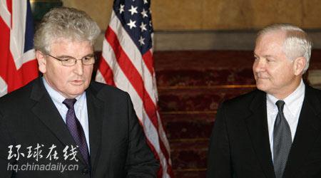 美国防长盖茨访英 讨论伊拉克和阿富汗问题(图)