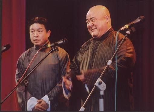 图:传统相声晚会主要演员—刘洪沂、李嘉存