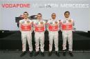 图文:迈凯轮发布新车MP4-22 全部车手合影