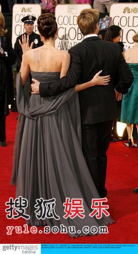 快讯:安吉丽娜-茱莉与布拉德皮特亮相红毯