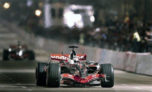 阿隆索在家乡表演车技 相信选择迈凯轮绝对正确