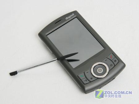 图为具有GPS导航功能的智能手机多普达P800