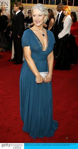 服装点评:海伦-米伦有女王风范