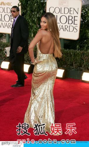 服装点评:碧昂斯-诺里斯金色礼服优雅高贵