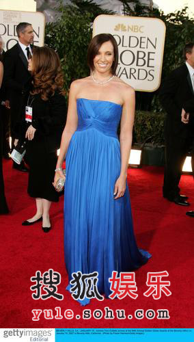 图:托妮-柯利特闪耀蓝裙气质典雅