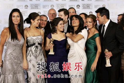 获奖:音乐/喜剧类最佳电视剧集《丑女贝蒂》
