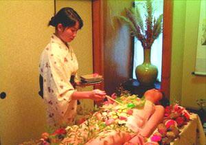 日本女体盛:色情行业并非就