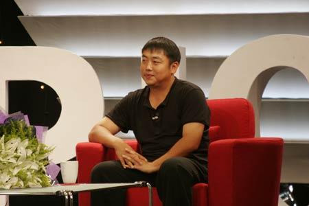 图文:《奥林匹克人物访》 刘国梁接受采访