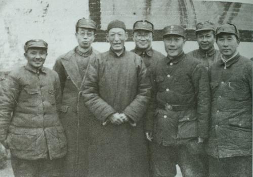资料图:邓小平、刘伯承、薄一波等合影