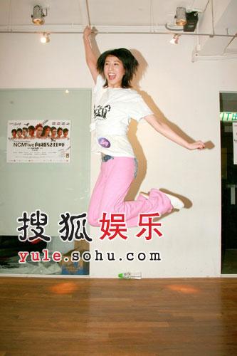 容祖儿郑希怡彩排音乐剧 张敬轩要练舞兼整容
