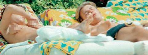 小贝维多利亚裸体日光浴 照片被曝光(组图)
