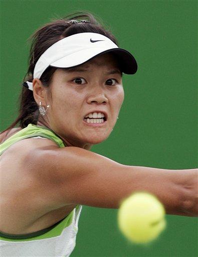 澳网-中国金花终过首轮 李娜直落两盘胜鲍文娜