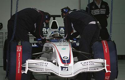 图文:宝马索伯F1.07 西班牙巴伦西亚试车(7)