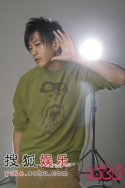 何润东七年后重回歌坛 期待与张娜拉发生恋情